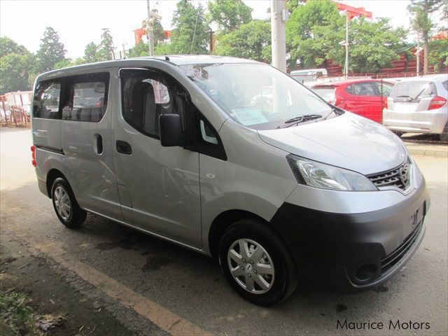 Used Nissan NV200 - SILVER VAN DX for sale in Eau Coulée, Curepipe