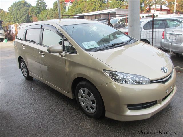 Used Toyota Wish 7-Seater for sale in Eau Coulée, Curepipe