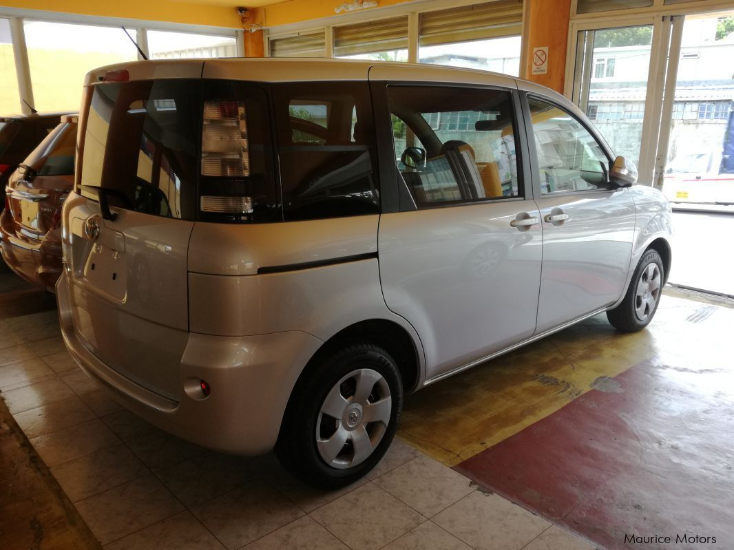 Pre-owned Toyota Sienta 7-Seater for sale in