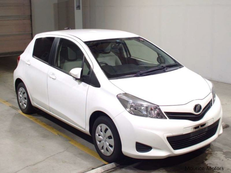 Pre-owned Toyota VITZ F SMART STOP GRADE - WHITE for sale in Eau Coulée, Curepipe