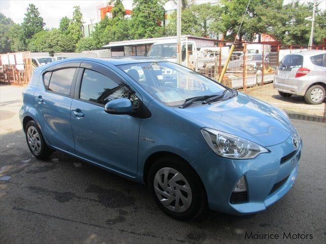 Pre-owned Toyota AQUA S- LIGHT BLUE METALLIC for sale in Eau Coulée, Curepipe