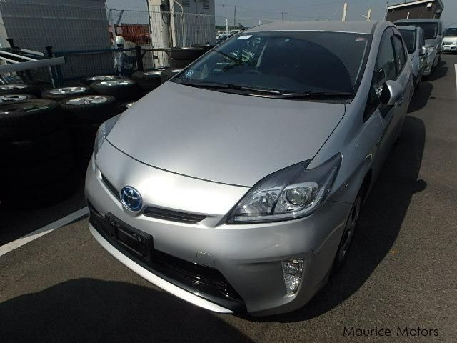 Pre-owned Toyota Prius S for sale in