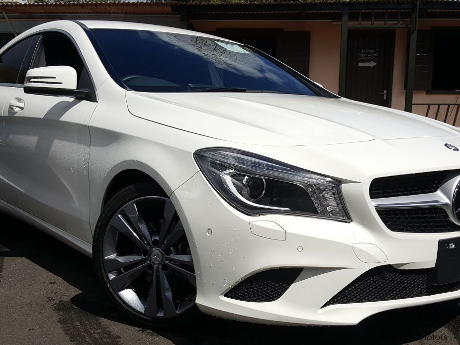 Pre-owned Mercedes-Benz CLA180 for sale in Floreal