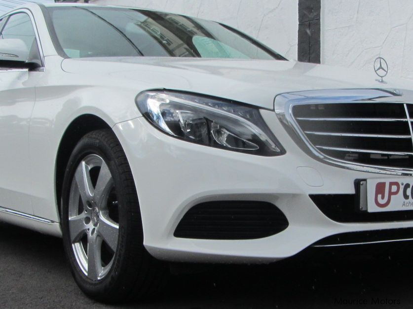 Pre-owned Mercedes-Benz C180 for sale in Belle Rose