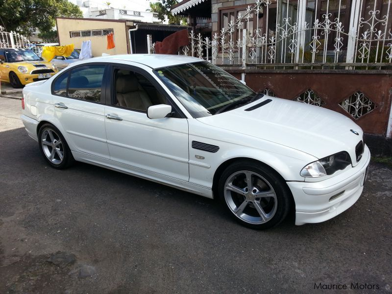 Used BMW 318 i E46 Pearl white for sale in Curepipe