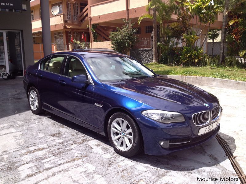 Used BMW 520D F10 - PRIVATE NUMBER INC - STEPTRONIC - PEARL BLUE MET for sale in Floreal
