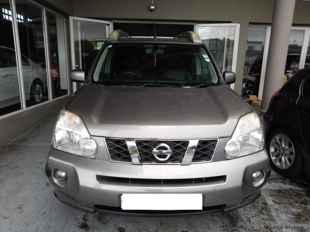 Used Nissan X-TRAIL - GOLD for sale in Floreal