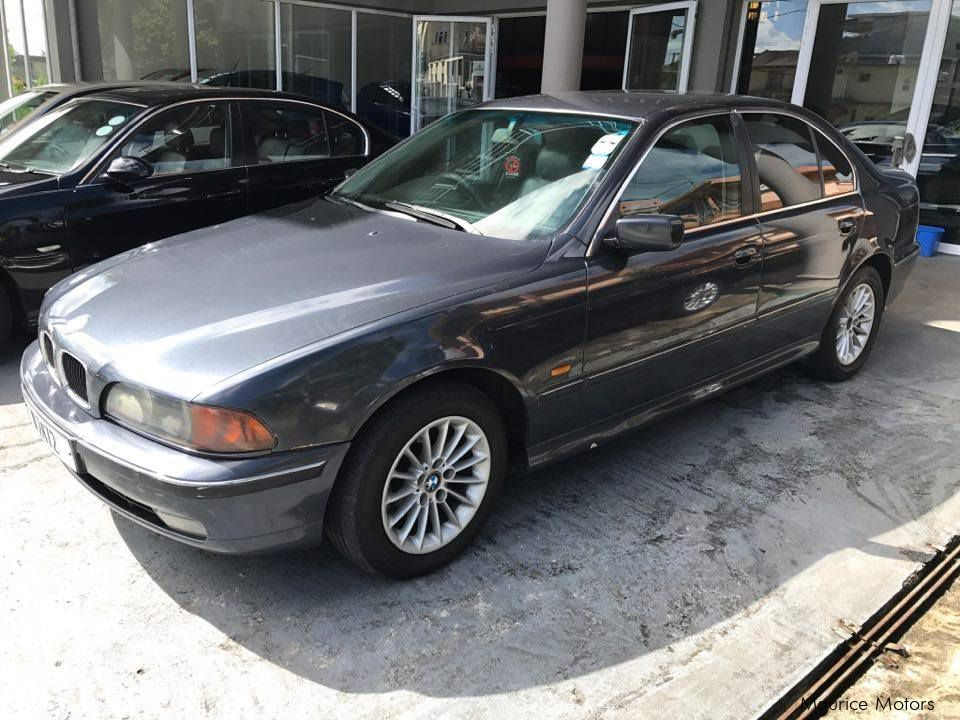 Pre-owned BMW 523I - MANUAL TRANSMISION for sale in Floreal