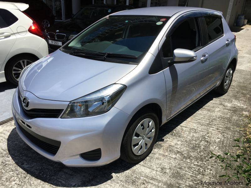 Used Toyota VITZ 1320 CC SMILE EDITION KEYLESS DRIVE AUTOMATIC AIRCON SPOILER for sale in Floreal