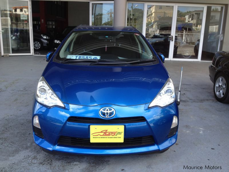 Used Toyota AQUA - HYBRID KEYLESS DRIVE BACKCAMERA AND MORE for sale in Floreal