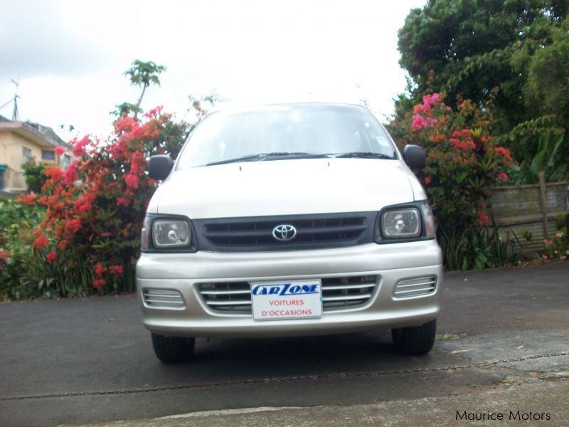 Used Toyota Town Ace for sale in Saint Pierre