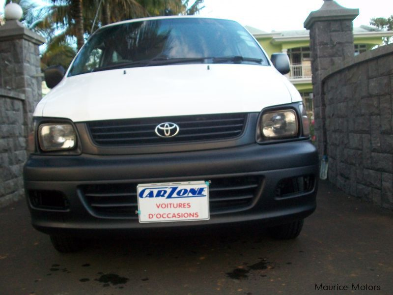 Used Toyota lite ace for sale in Saint Pierre