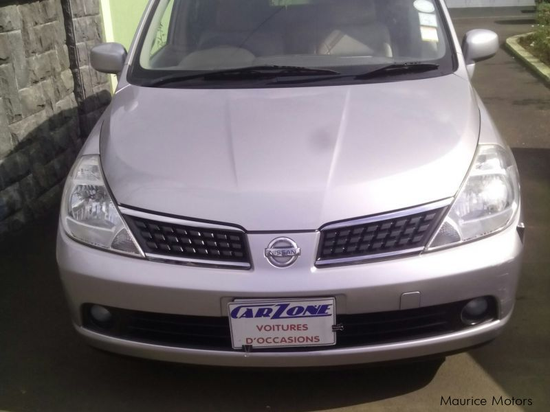 Used Nissan Tiida for sale in Saint Pierre