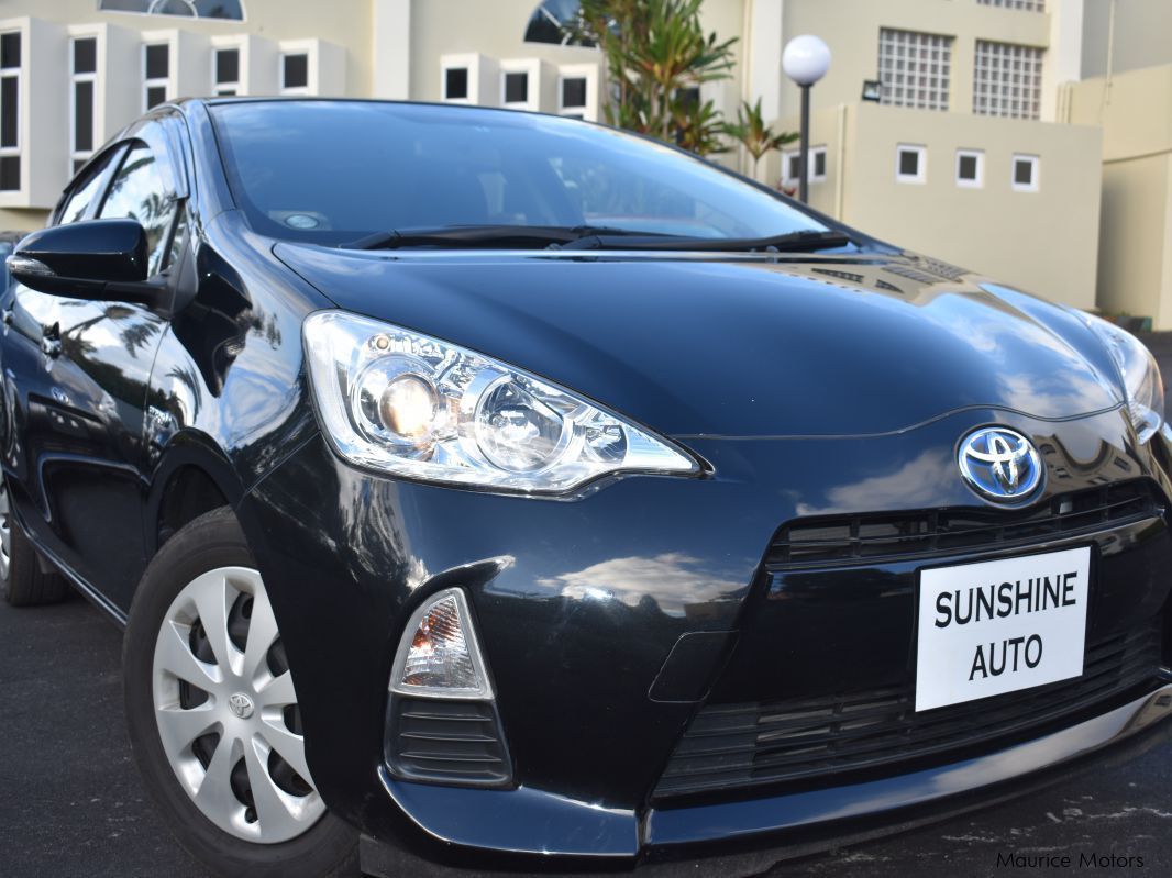 Pre-owned Toyota Aqua S Smart Key for sale in