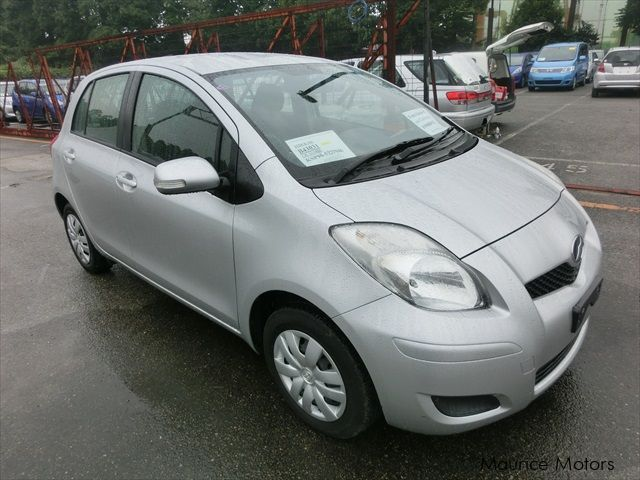 Used Toyota Vitz for sale in Eau Coulée