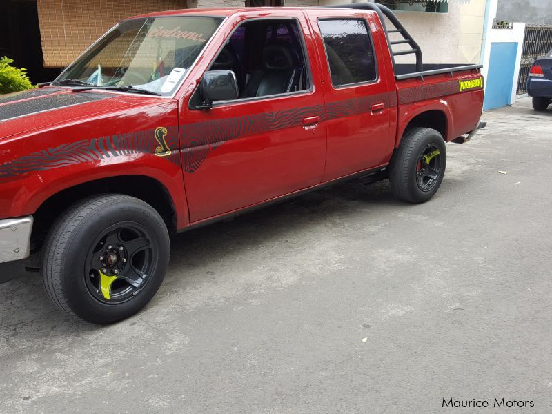 Pre-owned Nissan D21 hardbody for sale in Mauritius