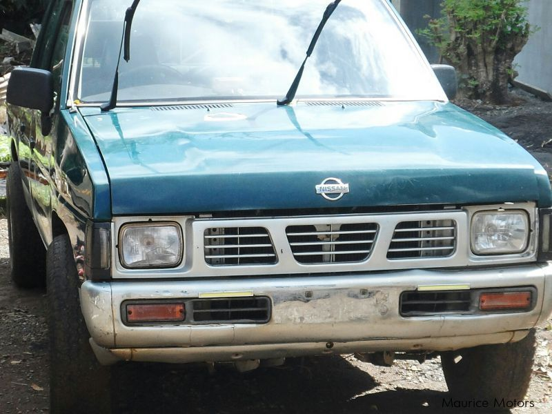 Pre-owned Nissan pickup for sale in Mauritius