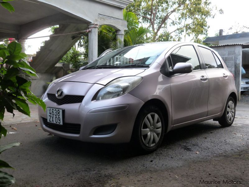 Pre-owned Toyota vitz 1300 for sale in Mauritius
