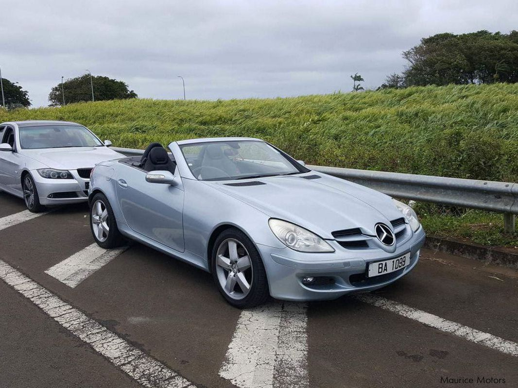 Used Mercedes-Benz Slk280 in Mauritius