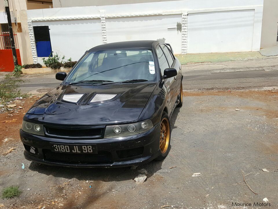 Pre-owned Mitsubishi Lancer glx for sale in