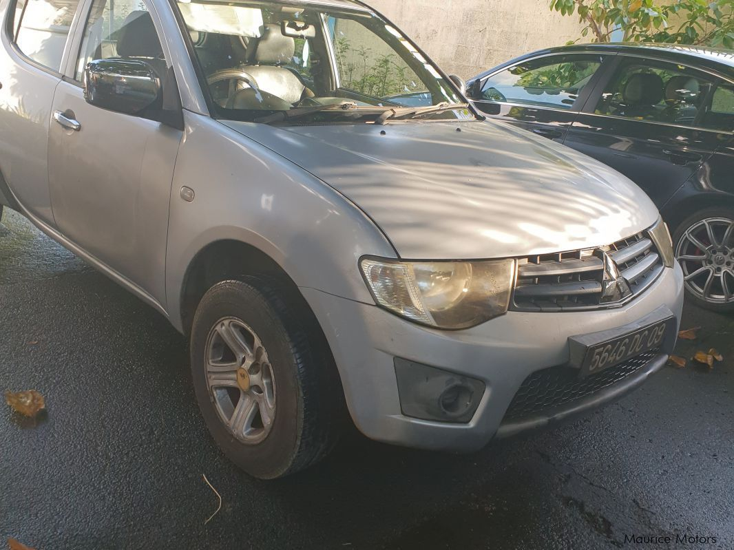 Pre-owned Mitsubishi sportero l200 for sale in