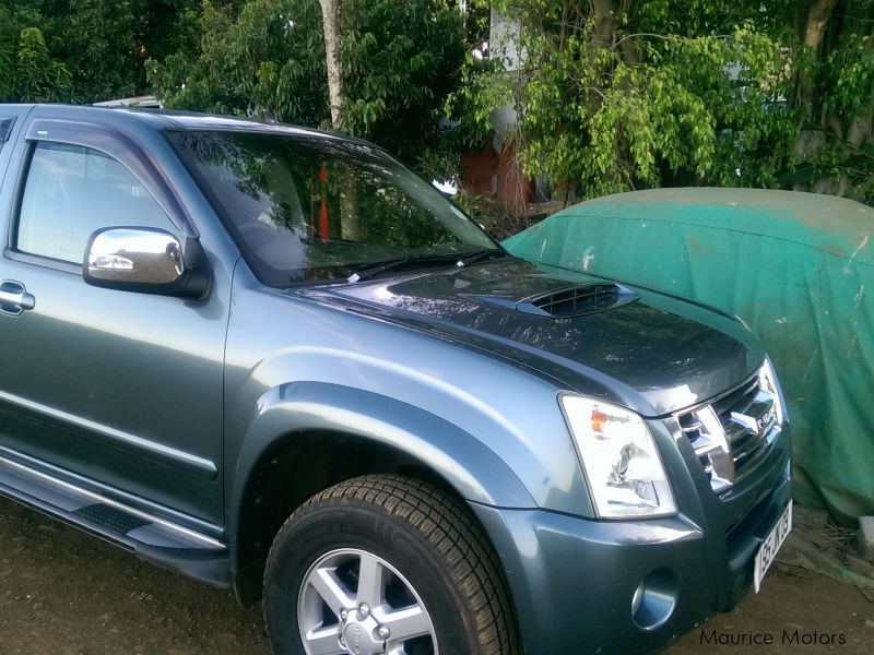 Pre-owned Isuzu KB 300 for sale in Mauritius
