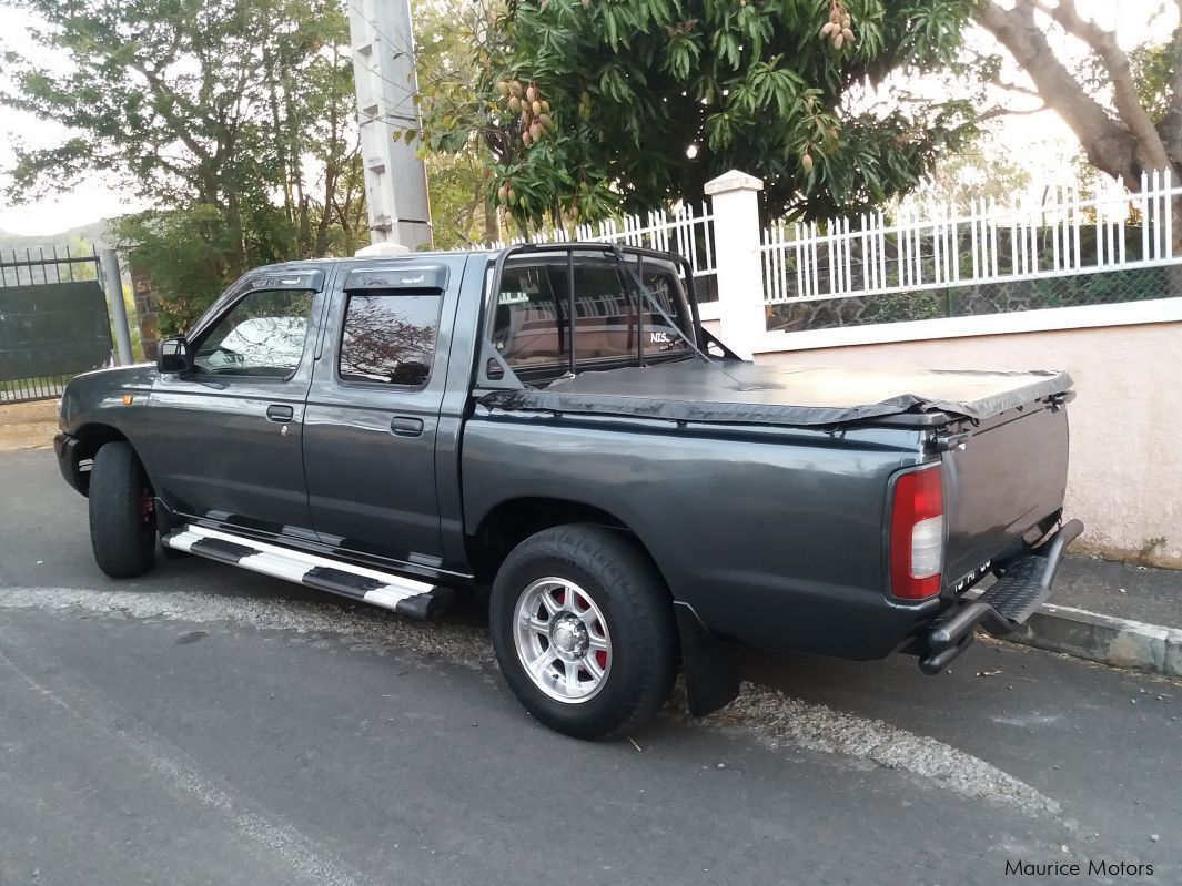 Used Nissan Hardbody for sale in