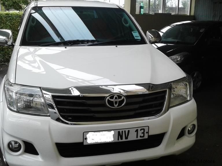 Pre-owned Toyota Hilux for sale in Mauritius