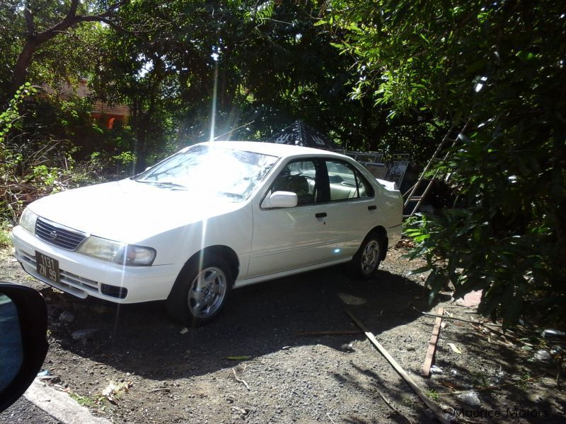 Pre-owned Nissan sunny B14 for sale in Mauritius