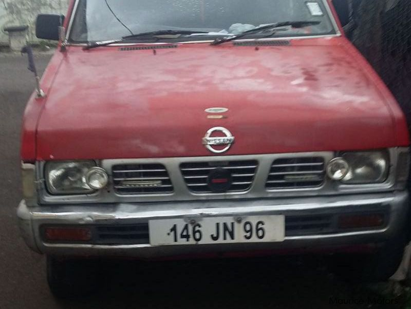 Pre-owned Nissan 221 TD27 4x4 for sale in