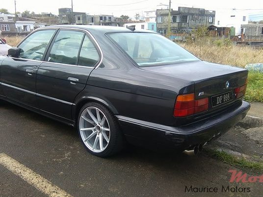 Pre-owned BMW e34 520i for sale in