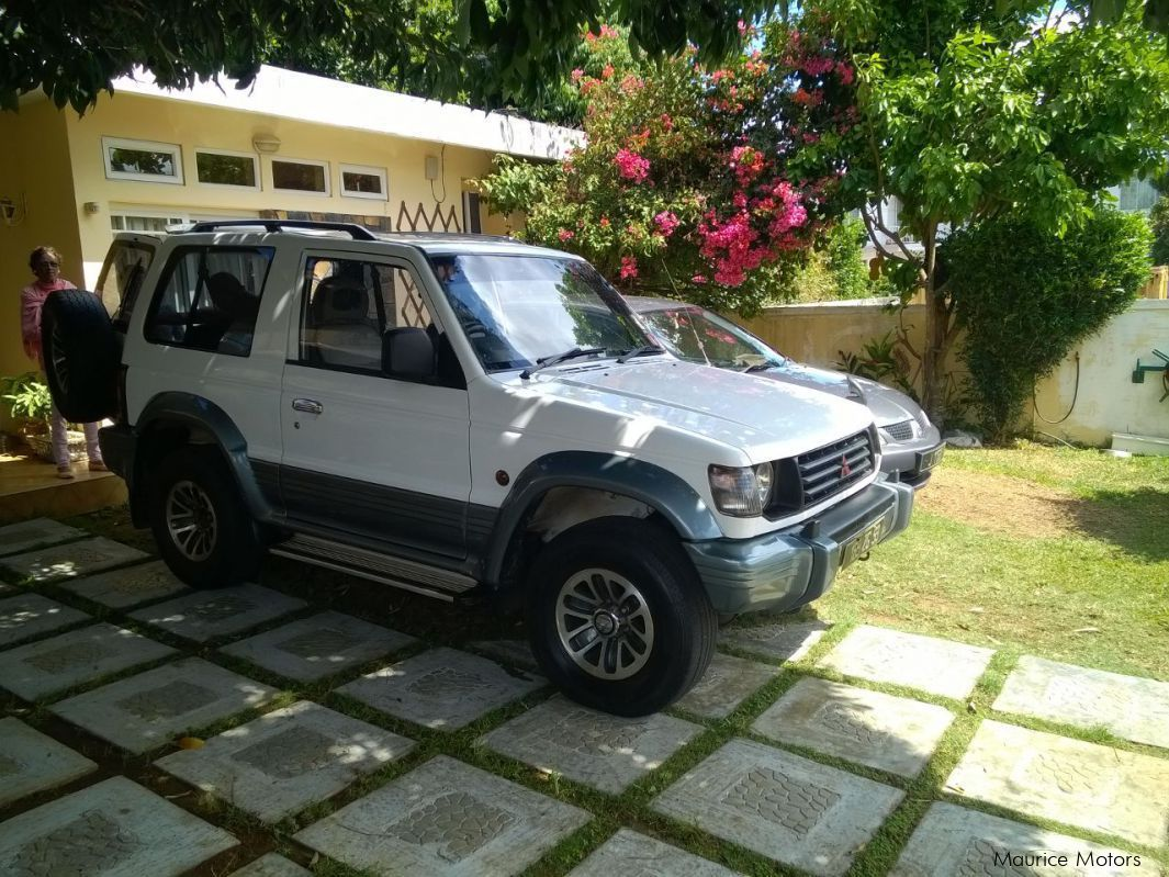 Pre-owned Mitsubishi Pajero 2 doors for sale in