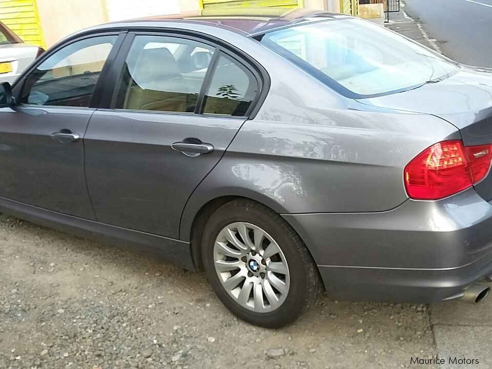 Pre-owned BMW SERIES 3 for sale in