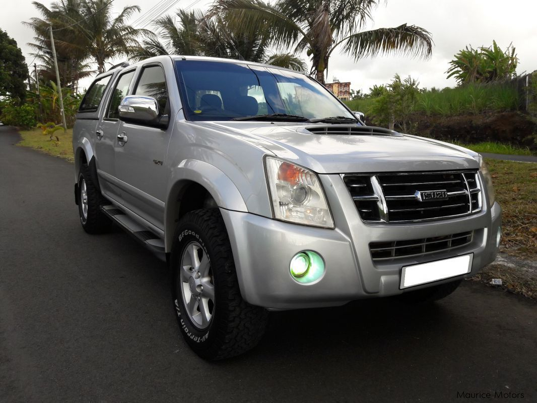 Pre-owned Isuzu KB 300 (4x4) for sale in