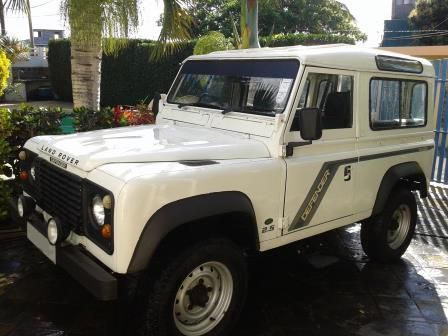 Used Land Rover Defender 90 for sale in Mauritius
