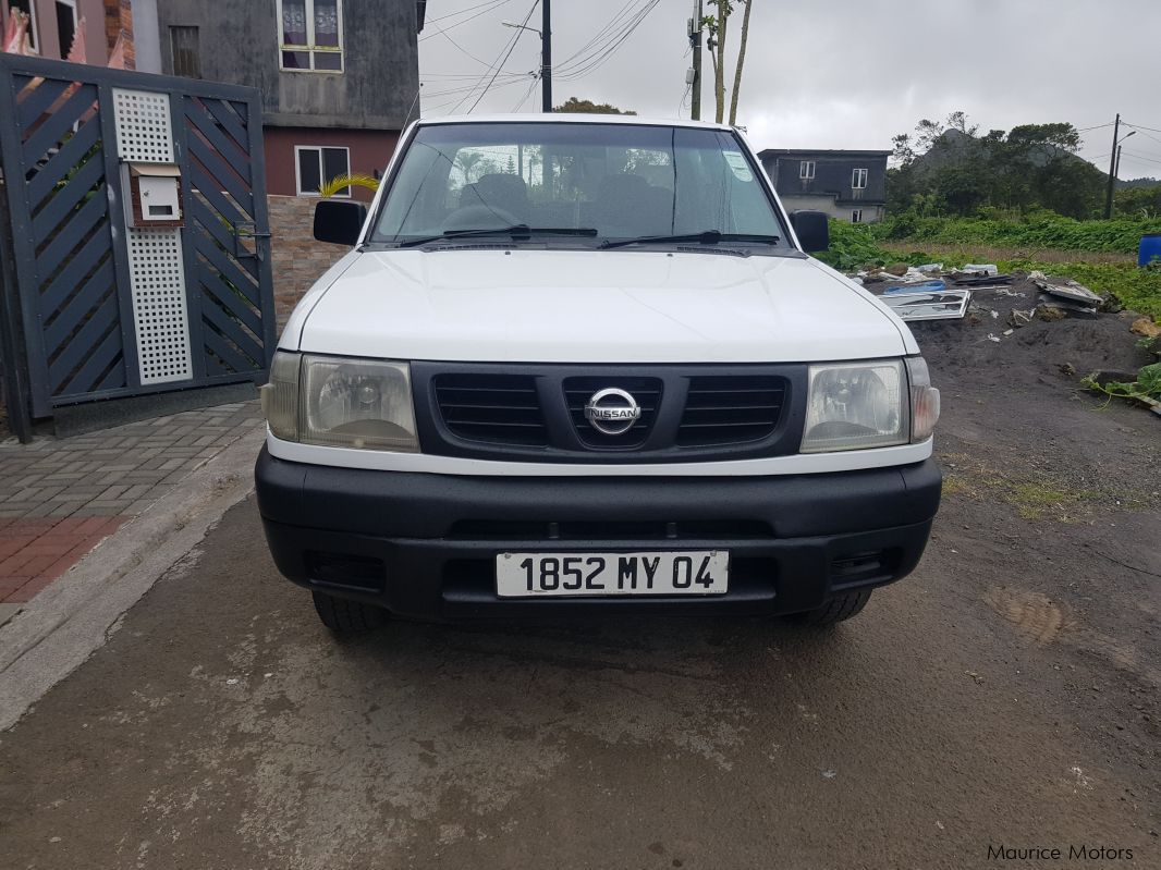 Pre-owned Nissan Hardbody 2.7d for sale in