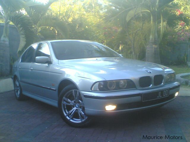 Pre-owned BMW 523i for sale in Mauritius