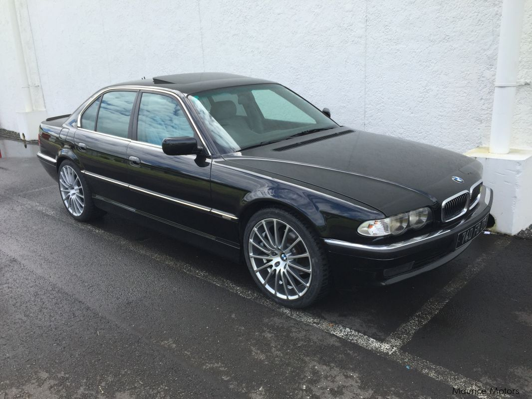 Pre-owned BMW 735i for sale in