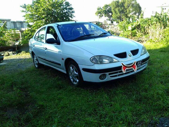 Pre-owned Renault MEGANE CLASSIC for sale in