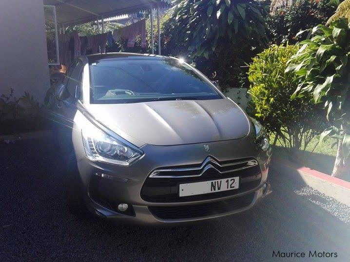 Pre-owned Citroen DS5 SPORT CHIC for sale in