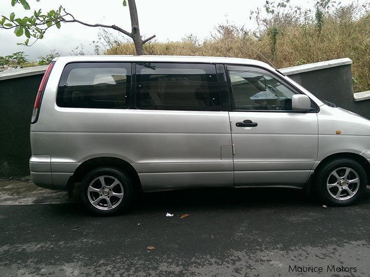 Used Toyota noah for sale in Mauritius