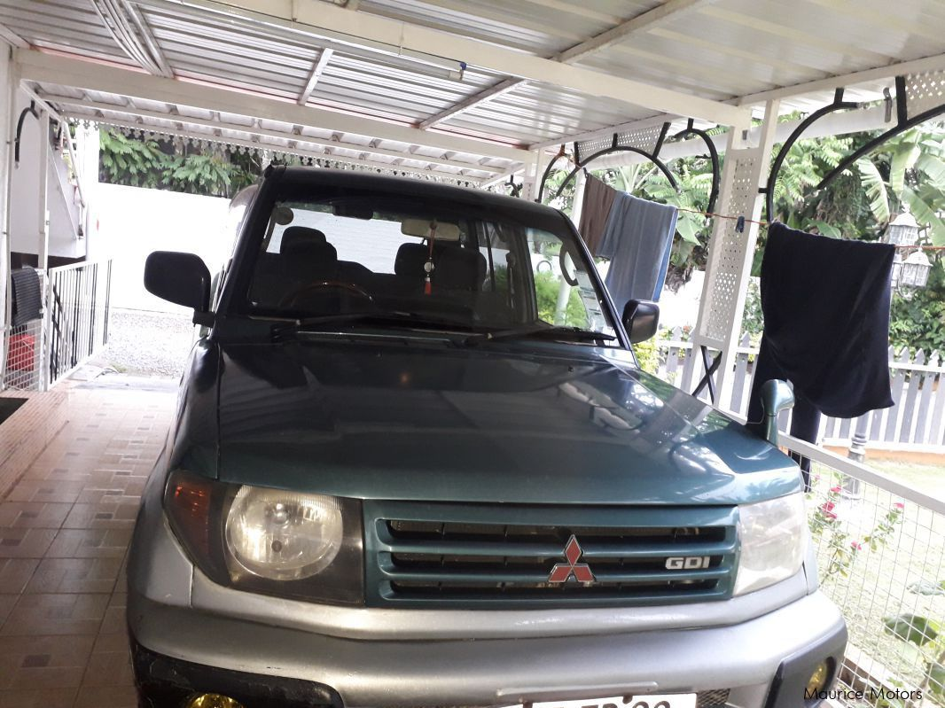 Pre-owned Mitsubishi Pajero io for sale in
