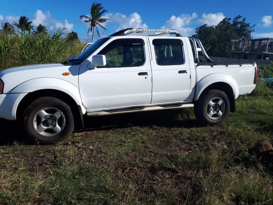 Pre-owned Nissan Hardbody predator zd30 for sale in
