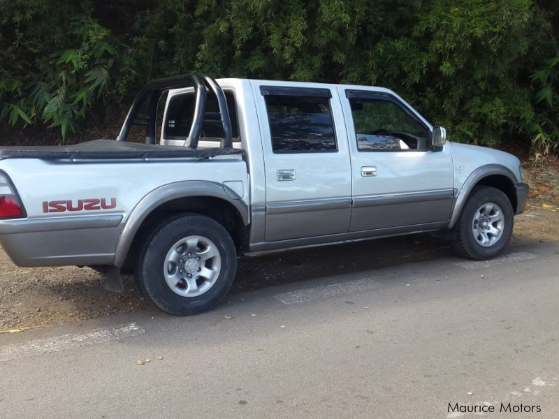 Used Isuzu japon 2x4 for sale in Mauritius