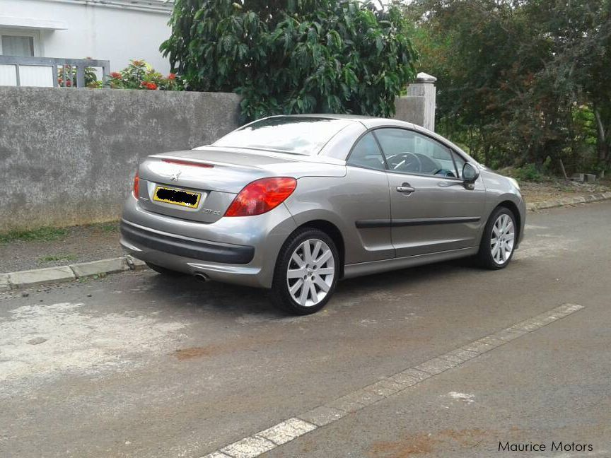 Pre-owned Peugeot 207 CC for sale in