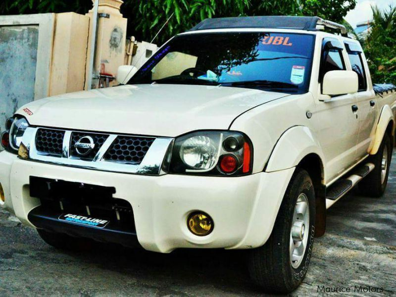 Pre-owned Nissan Predator 3.0 for sale in Mauritius