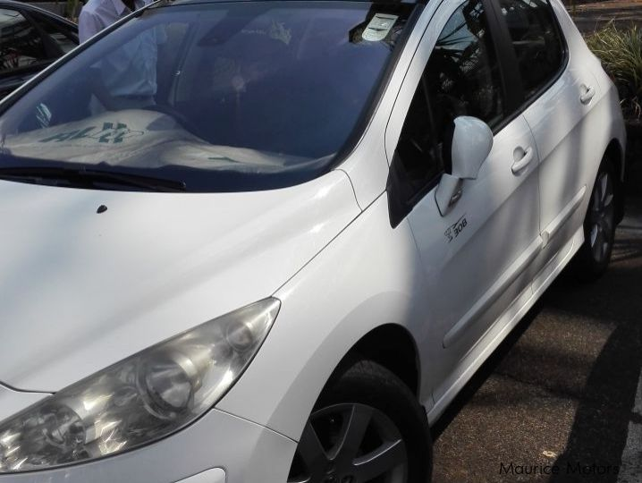 Pre-owned Peugeot 308 BVA for sale in
