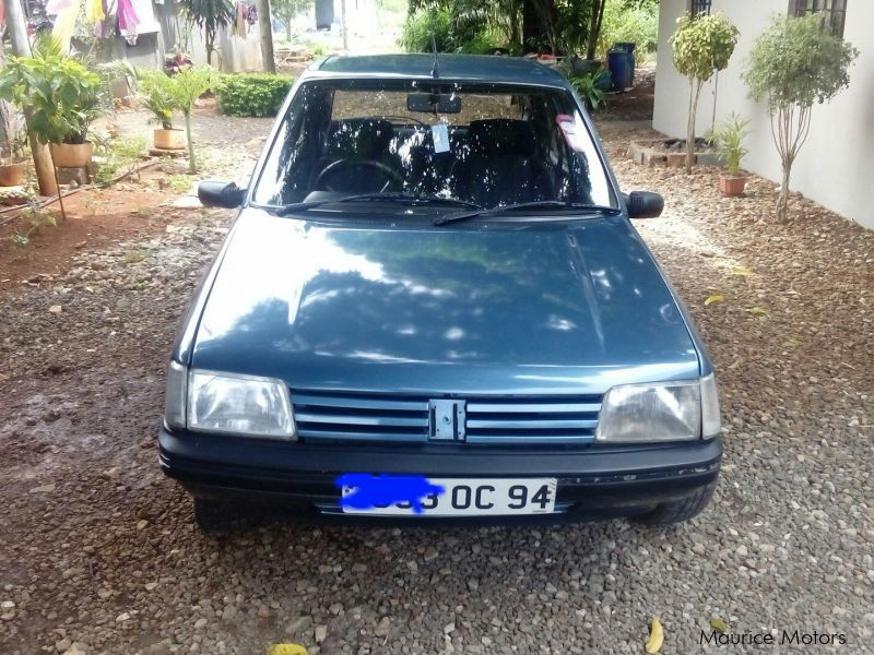 Pre-owned Peugeot 205 for sale in Mauritius