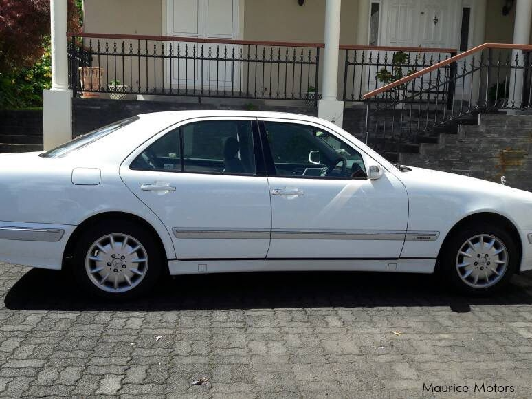 Pre-owned Mercedes-Benz E200 for sale in
