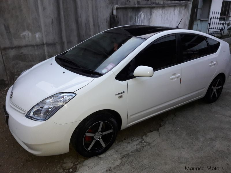Pre-owned Toyota prius for sale in Mauritius
